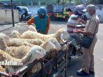 pasar-hewan-jogotrunan-jelang-idul-adha-2021.jpg
