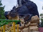 patung-gorilla-di-jatim-park-2-rusak-akibat-gempa.jpg