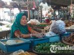 pedagang-bumbu-dapur-di-pasar-baureno.jpg