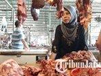 pedagang-daging-sapi-di-pasar-baru-gresik-ilustrasi-harga-daging-sapi.jpg