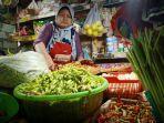 pedagang-sayur-dan-bumbu-di-pasar-wonokromo.jpg