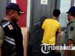 pelajar-mesum-ditangkap-satpol-pp_20171116_102828.jpg
