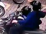 pelaku-pencurian-helm-di-magetan_20180722_220223.jpg