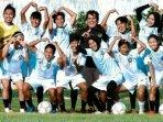 pelatih-arema-fc-carlos-oliveira-dan-arema-fc-putri-ilustrasi-pemain-arema-fc-putri.jpg