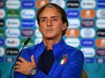 pelatih-timnas-italia-roberto-manciniberbicara-kepada-media-pada-sesi-konferensi-pers.jpg