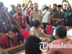 pelayanan-perijian-sistem-online-di-kantor-dpmptsp-kabupaten-bangkalan.jpg