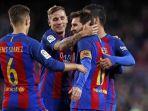 pemain-barcelona-saat-merayakan-gol-lionel-messi_20170427_084444.jpg