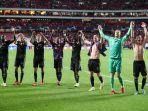pemain-bayern-muenchen-merayakan-kemenangan-di-pertandingan-liga-champions.jpg