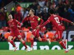 pemain-liverpool-merayakan-gol-kemenangan-atas-ac-milan-di-liga-champions-2021.jpg
