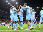 pemain-manchester-city-saat-merayakan-gol-ke-gawang-rb-leipzig-di-liga-champions-2021-2022.jpg