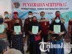 pembagian-sertifikat-ptsl-oleh-bpn-kabupaten-kediri-di-desa-ngadi-kecamatan-mojo.jpg
