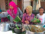 pemilih-di-pilkades-gedangsewu-kecamatan-boyolangu-tulungagung-dijamu-makanan-siang-gratis.jpg