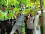 pemuda-trenggalek-gantung-diri-di-pohon-durian.jpg