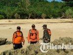pencarian-wisatawan-terseret-ombak-di-pantai-batu-bengkung-malang.jpg