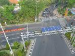 penggunaan-solar-cell-untuk-traffic-light-di-surabaya_20180204_125202.jpg
