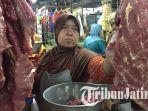 penjual-daging-segar-di-pasar-wonokromo-surabaya-jawa-timur_20180512_122200.jpg