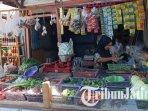 penjual-di-pasar-gurah-kabupaten-kediri-ilustrasi-harga-bawang-ilustrasi-harga-cabai.jpg