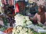 penjual-sembako-dan-sayur-mayur-di-pasar-baru-gresik.jpg