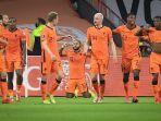penyerang-belanda-memphis-depay-tengah-merayakan-gol-pada-laga-kualifikasi-piala-dunia-2022.jpg