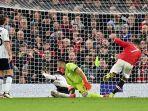 penyerang-manchester-united-cristiano-ronaldo-kanan-mencetak-gol-ketiga-timnya.jpg