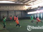 pertandingan-futsal-yang-diselenggarakan-oleh-makni-eatery_20180624_212205.jpg