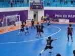 pertandingan-tim-futsal-jatim-vs-sulsel-di-gor-futsal-sp-2-mimika.jpg