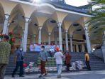 perwakilan-marbot-masjid-di-kota-kediri-mendapatkan-bantuan-paket-sembako-ppkm-darurat-dari-kapolri.jpg
