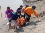 petugas-bpbd-kabupaten-bojonegoro-evakuasi-mayat-811.jpg
