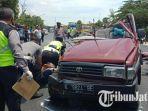 petugas-evakuasi-korban-kecelakaan-di-kecamatan-jenu.jpg