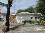 petugas-merawat-kebersihan-di-area-bunker-tegalsari-kamis-2462021.jpg