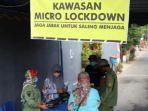 petugas-ppkm-mikro-kelurahan-lirboyo-melakukan-micro-lockdown.jpg