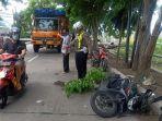 polisi-saat-melakukan-olah-tkp-kecelakaan-yang-menewaskan-seorang-pelajar-di-sukodono.jpg