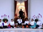presiden-joko-widodo-mengenalkan-tujuh-orang-sebagai-staf-khusus-presiden.jpg