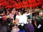 presiden-jokowi-kunjungi-korban-gempa-lombok_20180903_132035.jpg