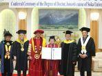 presiden-kelima-ri-megawati-soekarnoputri-menerima-gelar-doktor-honoris-causa.jpg