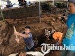 proses-ekskavasi-situs-candi-di-desa-pendem-kota-batu-oleh-bpcb-trowulan.jpg