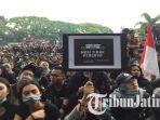 puluhan-ribu-mahasiswa-yang-mengikuti-aksi-demonstrasi-di-malang.jpg