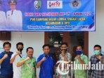 pwi-sampang-mempersiapkan-perayaan-hari-pers-nasional-ke-75-di-kantor-kecamatan-ketapang.jpg