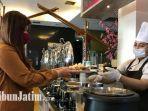 quest-hotel-darmo-surabaya-terapkan-no-self-servise-pada-buffet-restauran.jpg
