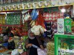 rahayu-satu-diantara-pedagang-yang-berjualan-di-pasar-wonokromo.jpg