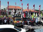 ratusan-buruh-demo-di-depan-gedung-negara-grahadi-surabaya_20181008_143853.jpg