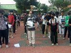 ratusan-pelajar-dalam-aksi-unjuk-rasa-menolak-uu-cipta-kerja-diamankan-polisi.jpg
