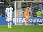 reaksi-lionel-messi-dan-pemain-pemain-timnas-argentina-setelah-kalah-0-3-dari-kroasia_20180622_135138.jpg