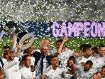 real-madrid-merayakan-gelar-liga-spanyol-setelah-menekuk-villarreal-pada-pekan-ke-37-liga-spanyol.jpg