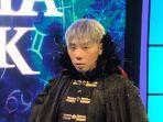 roy-kiyoshi-saat-memandu-acara-di-televisi.jpg