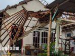 rumah-rusak-diterjang-angin-kencang-di-desa-windu-rejo-dan-desa-sampang-agung-di-kecamatan-kutorejo.jpg
