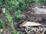 rumah-warga-desa-sawaran-kulon-kecamatan-kedungjajang-lumajang-rusak-akibat-diterjang-tanah-longsor.jpg