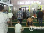 salat-jumat-di-masjid-baiturrahim-balai-kota-malang.jpg