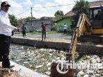 sampah-di-sungai-sidoarjo-ilustrasi-sampah-di-sungai.jpg