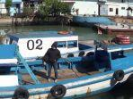 sejumlah-kendaraan-taksi-laut-sedang-bersandar-di-dermaga-roro-pelabuhan.jpg